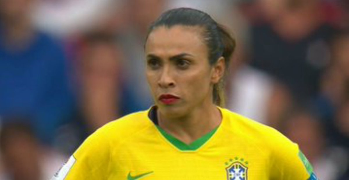 Did Marta lick someone out at a corner at the start? #frabra