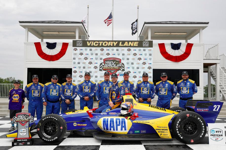 Congrats to @AlexanderRossi & the @FollowAndretti team on the dominating win at the @roadamerica @IndyCar race! Honda powers 7 of top 10 finishers!   <br>http://pic.twitter.com/M7ZAx4q3zh