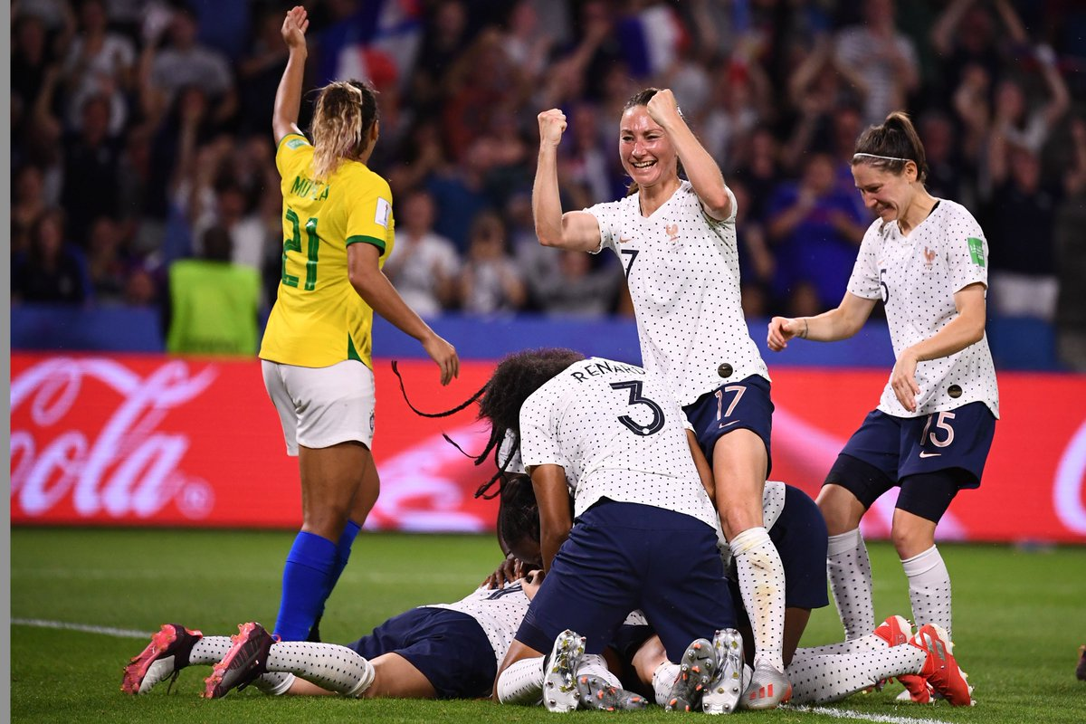 womens football increasing - HD1200×800