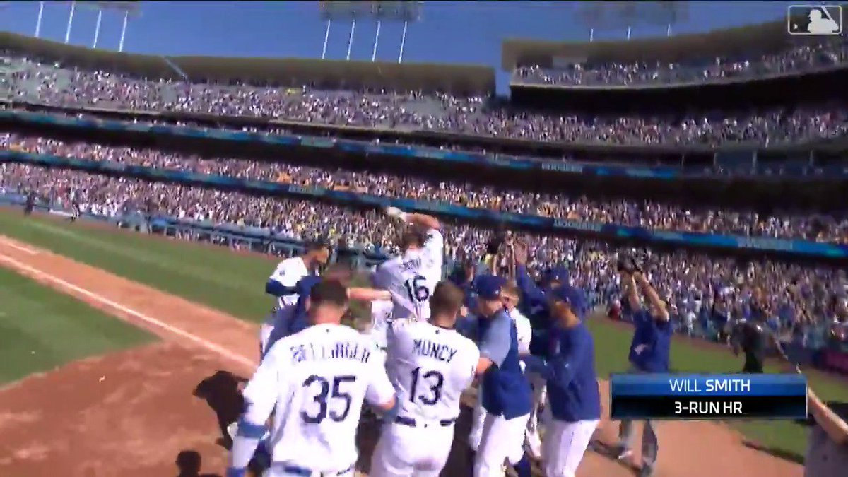 WALK IT OFF, WILL SMITH!  The Dodgers rookie gives LA its third straight walk-off win with this three-run blast 💪