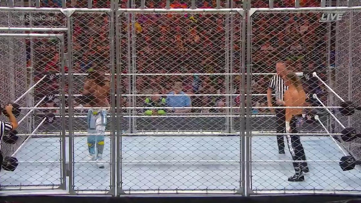 The cage door is 🔒. Let's do this. #SteelCage #WWEStompingGrounds @TrueKofi @HEELZiggler