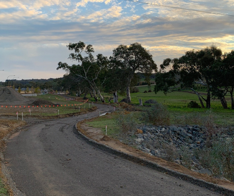Have a look at the progress of Newenham's linear park pathway. 🌿 When complete it will connect residents to the town centre of #MountBarker, only a 2km stroll away on the tree-lined creekside path. Pop into our Sales & Information Centre to find out more! #SouthAustralia