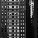 Image for the Tweet beginning: Repeating facade Manhattan on this