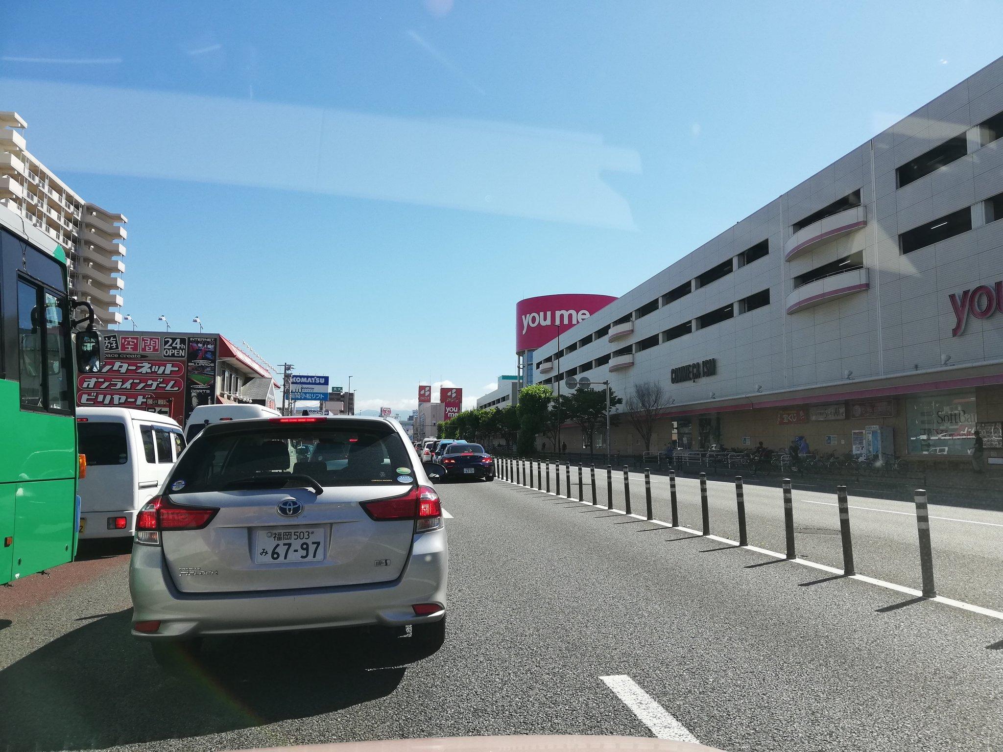 画像,国道3号線下り、ゆめタウン博多前は事故により完全封鎖されてるので迂回しましょう https://t.co/SgrYN48TdY…