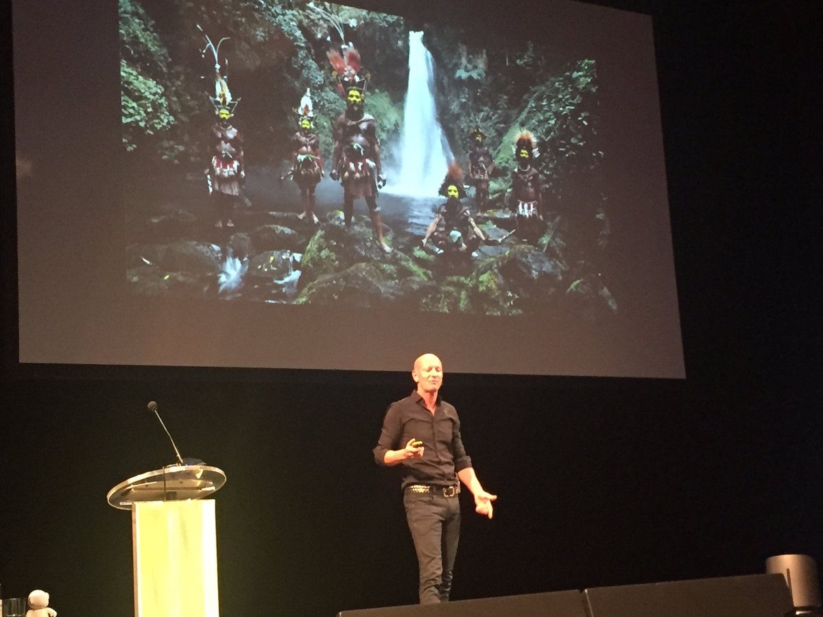 Jimmy Nelson bij #fCN Congres &#39;No Heritage, No Future&#39; @Jimmy_P_Nelson<br>http://pic.twitter.com/71vpltb6pT