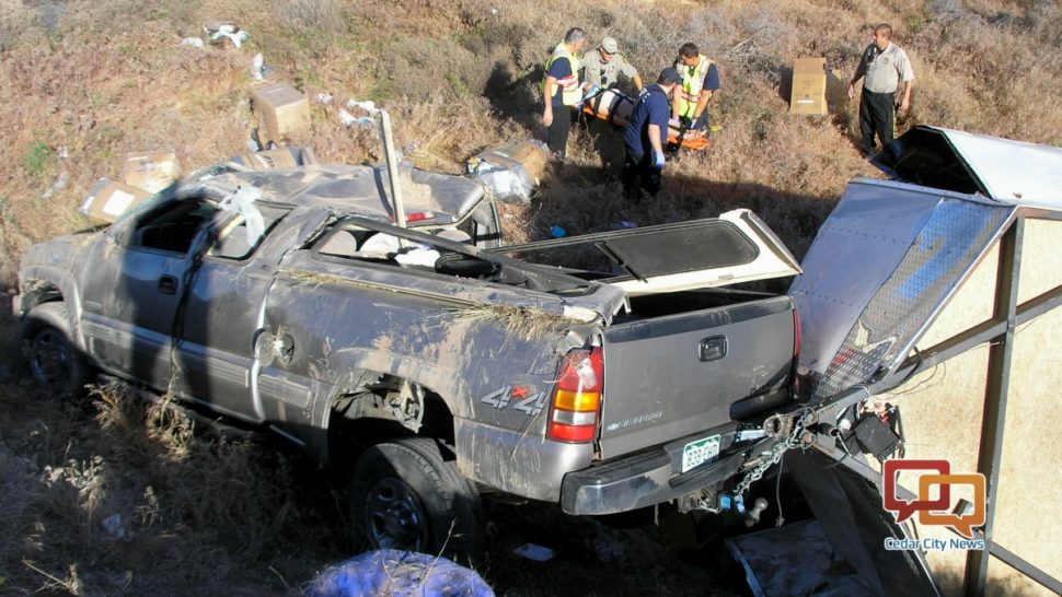 Truck hauling trailer rolls down 20 foot embankment; 1 person injured #Rollover #Crash #SoUtah  http:// stgeorgeutah.com/news/archive/2 017/05/28/cgb-truck-hauling-trailer-rolls-down-20-foot-embankment-1-person-injured/ &nbsp; … <br>http://pic.twitter.com/3Z7DIXBTmV