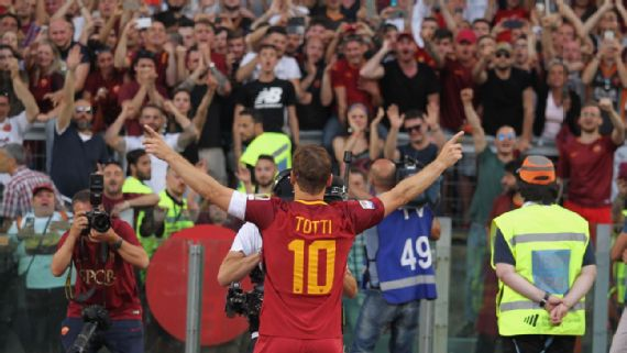 End of an era of loyalists? One club man @Totti ending his splendid 25 long years (1992-2017) for @OfficialASRoma #world #football #legend<br>http://pic.twitter.com/nTzZQZ90c2