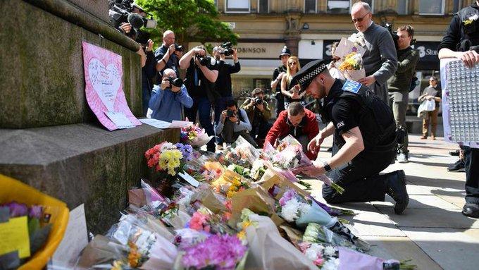 🇬🇧 #Manchester Le FBI aurait prévenu le MI5 dès janvier du probable passage à l'acte de Salman Abedi. https://t.co/E5mxHGtsvV