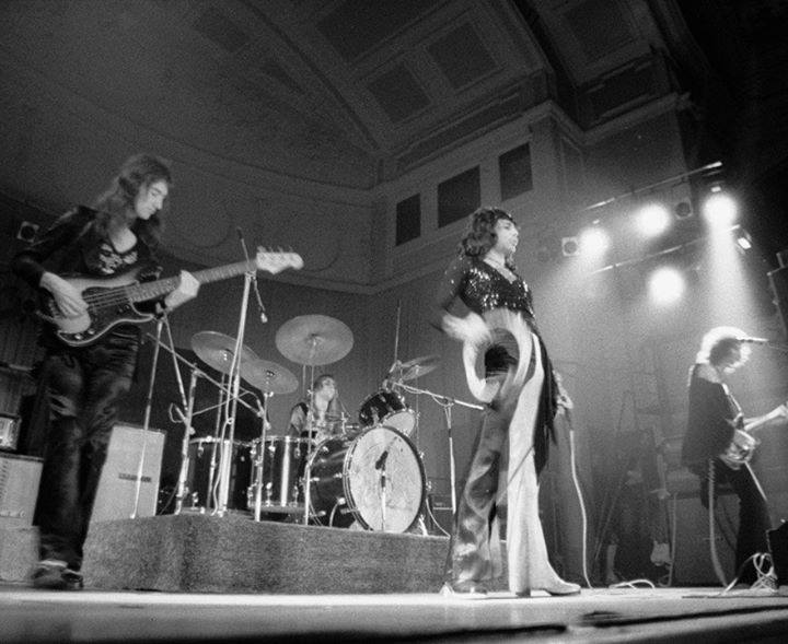 20 Nov 1973, UK, Oxford, New Theatre #Queen <br>http://pic.twitter.com/K8fRRqzRvd