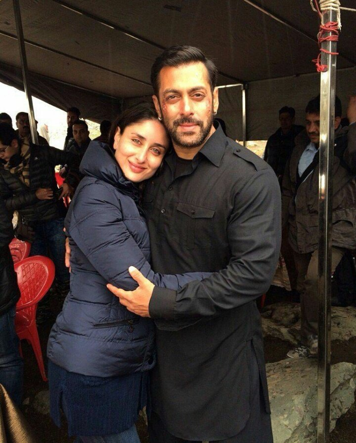 #ThrowbackOfTheDay :- @BeingSalmanKhan with #KareenaKapoorKhan on the sets of #BajrangiBhaijaan  @BBThisEid #mondaymotivation #hug #love<br>http://pic.twitter.com/lvkp2InM7A