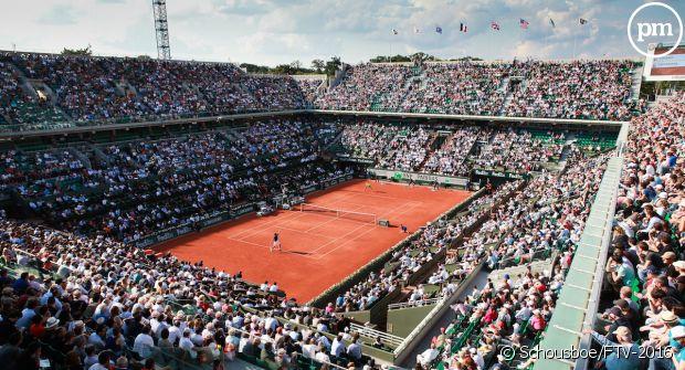 Audiences dimanche : Démarrage timide pour Roland-Garros, la F1 booste C8 https://t.co/9Na3t10rrh