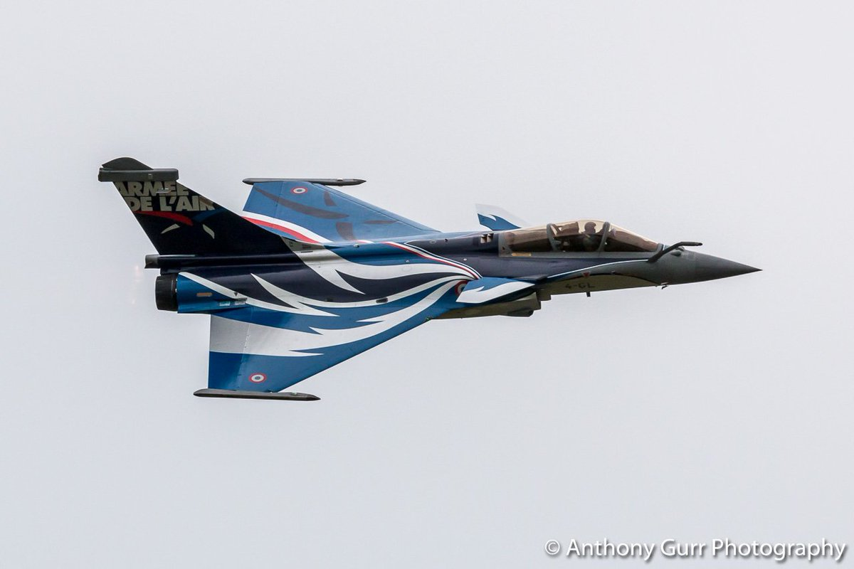 Absolutely stunning display by the #Dassault #Rafale @IWMDuxford yesterday. #military #jet #noise #power<br>http://pic.twitter.com/vgNz3jU5i9