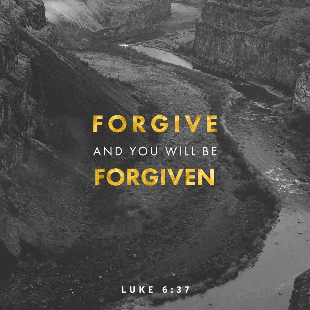 Do not #judge &amp; you will not be #judged. #Forgive &amp; #you will be #forgiven #Luke 6:37  http:// bible.com/111/luk.6.37.n iv &nbsp; … <br>http://pic.twitter.com/lBklUJIYW5