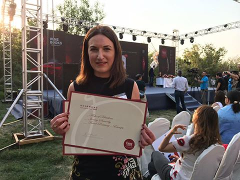Huge congrats to @JennySowerby - &#39;Taste of Freedom - a cookbook for #Syria&#39; has just won Best #Charity Cookbook at the #GourmandAwards. Yay!<br>http://pic.twitter.com/ueN1WABN7G