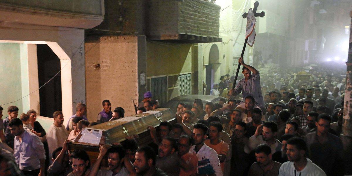 L'Egypte frappe la Libye après une attaque contre des chrétiens coptes https://t.co/qNlBdidyua