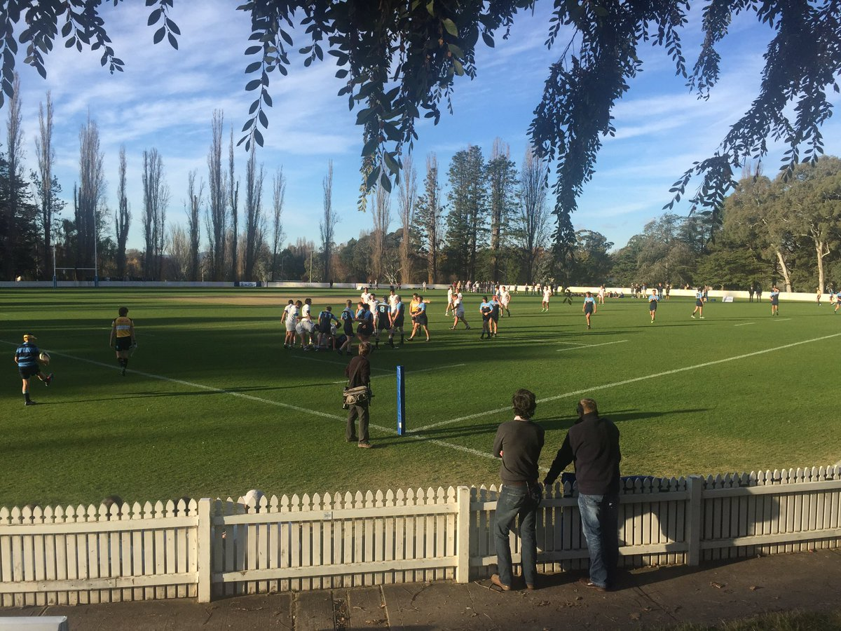 Warm welcome back to all former students for @CanberraGrammar Reunion Weekend. Great to see so many for another magnificent day of CGS sport