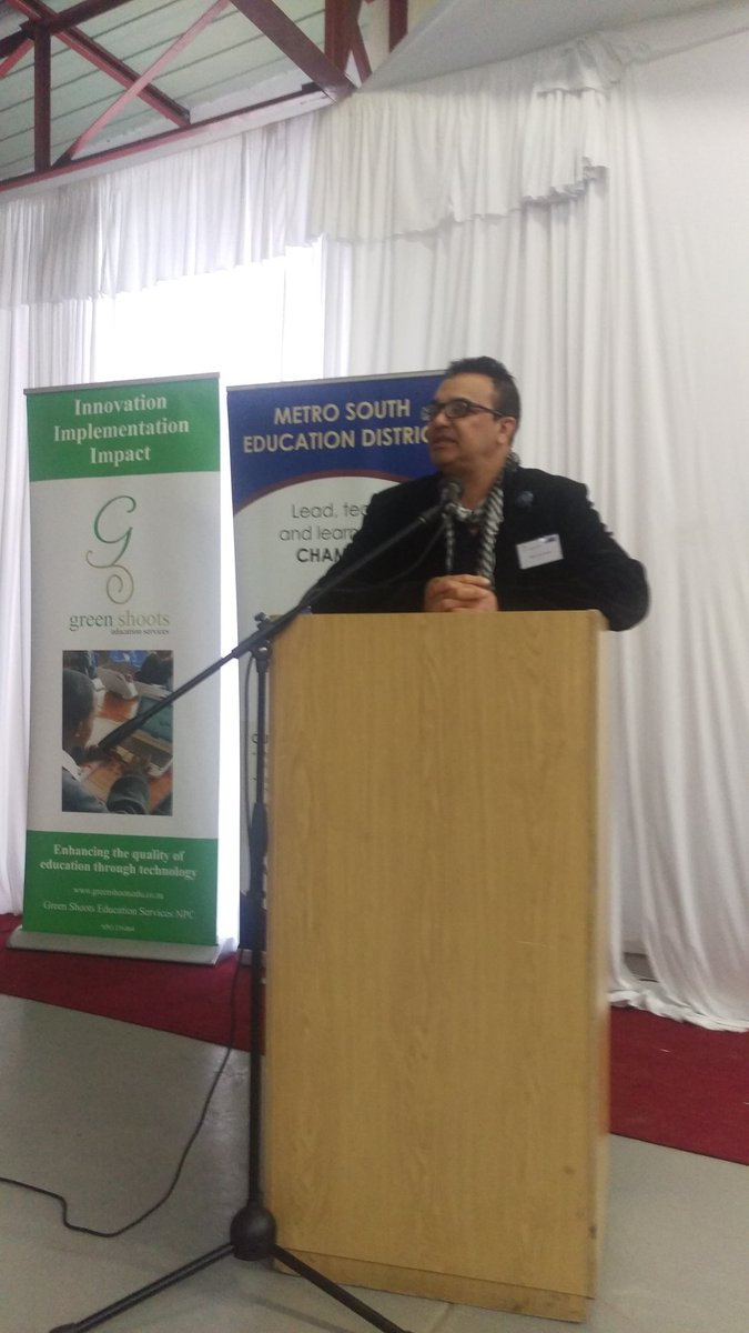 #MSED District Director speaking at #DataInformedDecisions launch - #teamwork #innovation &amp; #impact is crucial for success! <br>http://pic.twitter.com/z2o90qIr66