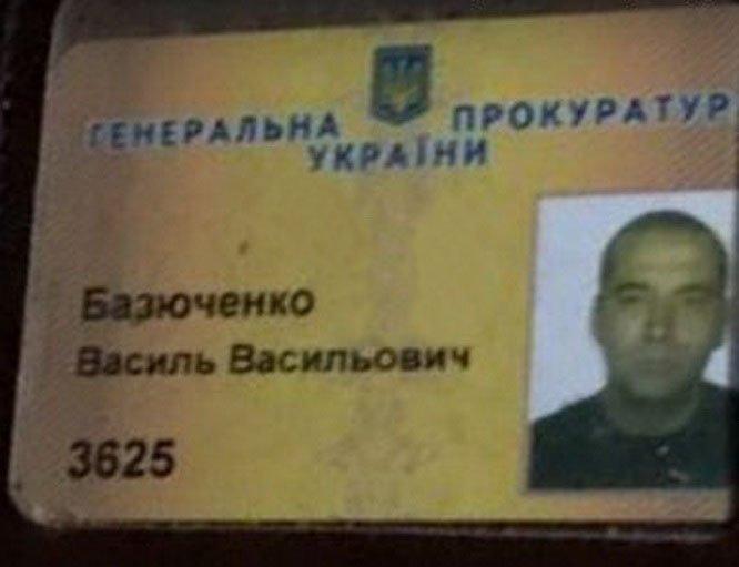 Водитель ГПУ в Киеве врезался в припаркованные машины и скрылся, - прокуратура - Цензор.НЕТ 9905