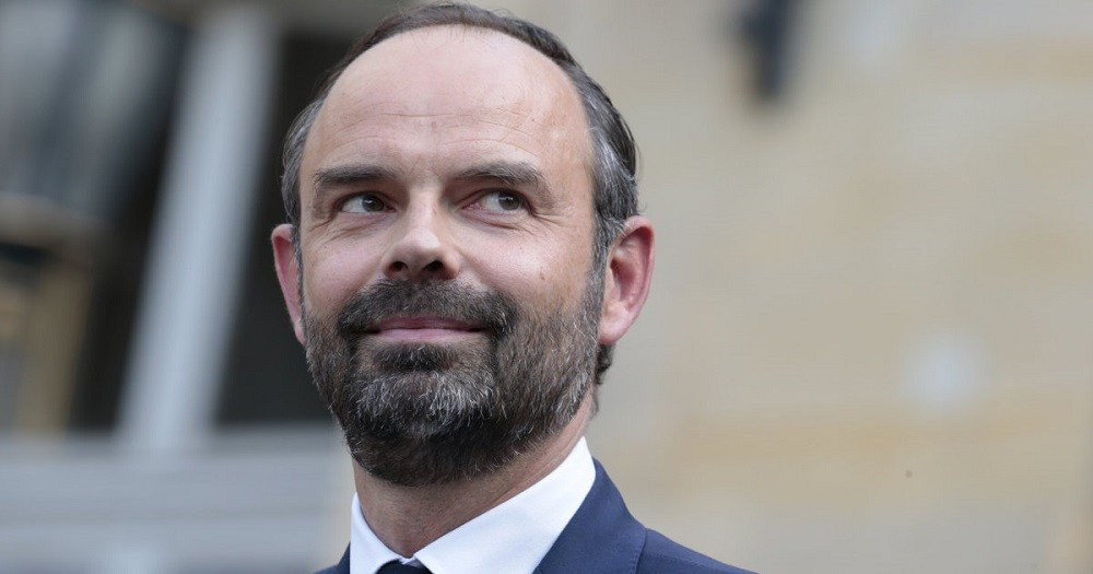 Edouard #Philippe … Most Prominent Chess Piece in #Macron's Game  http:// english.aawsat.com/michelabunajm/ features/edouard-philippe-prominent-chess-piece-macrons-game &nbsp; … <br>http://pic.twitter.com/rs87ZwE3wf
