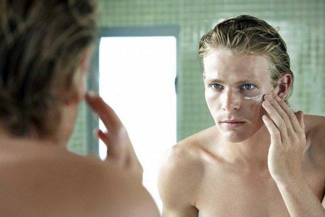 7 of the Best Face Serums for Men https://t.co/ggJXcZ1GeC #Skincare https://t.co/vFmamALQLO
