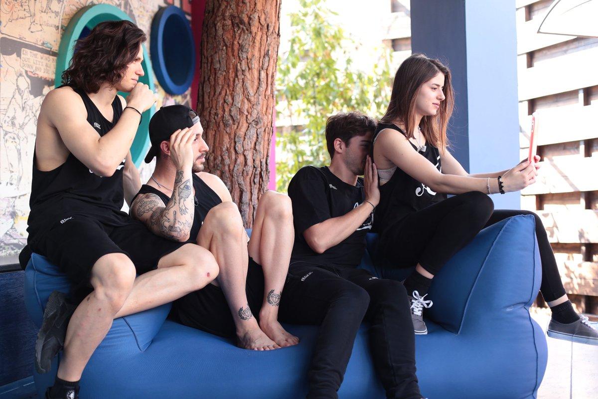 Mancano poche ore alla Finalona di #Amici16! Quanti ❤ per i quattro finalisti? 😍