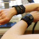 Cómo NO se debe hacer una prueba de sensores de pulso ópticoshttps://t.co/HhzweDzxLX