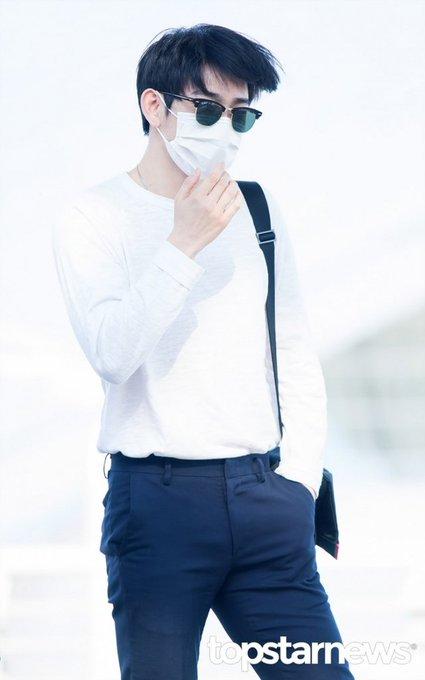 [HD포토] 갓세븐(GOT7) 진영, '잘생긴 얼굴이 궁금해지는 패션'  #갓세븐 #GOT7 #진영 #박개 #박진영 #박배우. https://t.co/qd3jzmWVPw