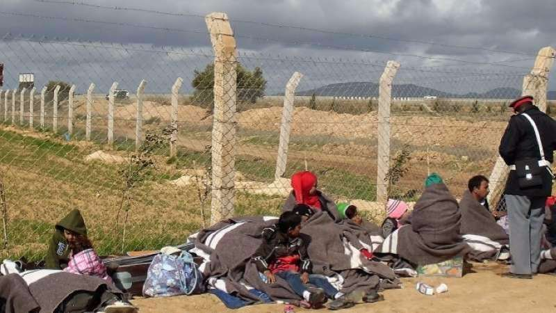 Calls on #Algeria, #Morocco to resolve stranded #Syrian refugees issue  http:// ow.ly/prMg30c5B5G  &nbsp;   #Orient<br>http://pic.twitter.com/3lYXG4z5tU