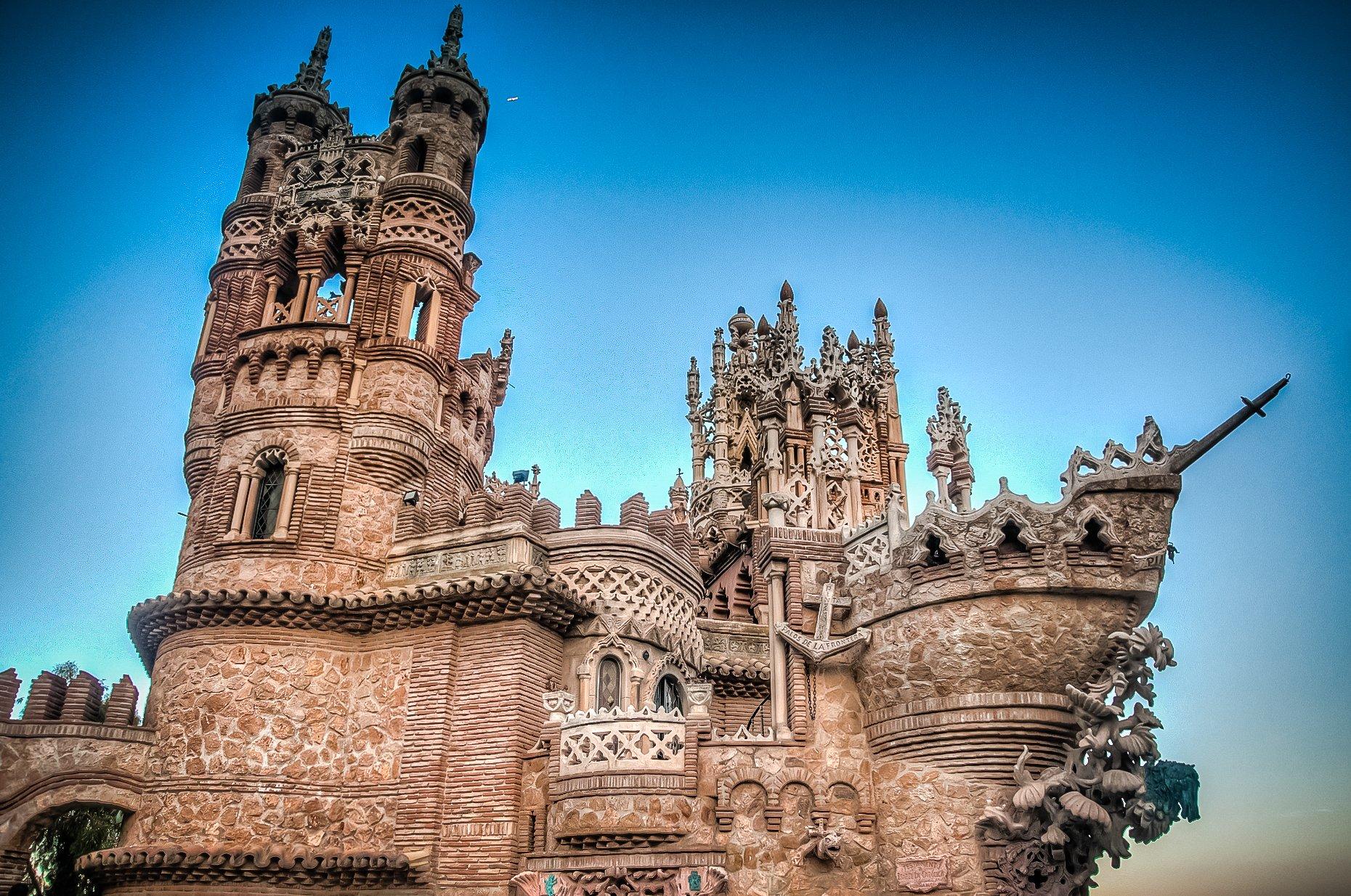 самые красивые замки испании фото пузырь врачи