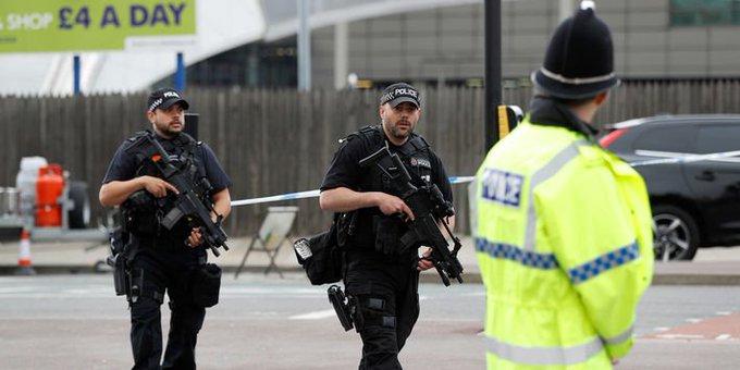 Manchester : le réseau du terroriste quasi démantelé, le niveau d'alerte rabaissé à 'grave'... Où en est l'enquête? https://t.co/DYTlYpiniM