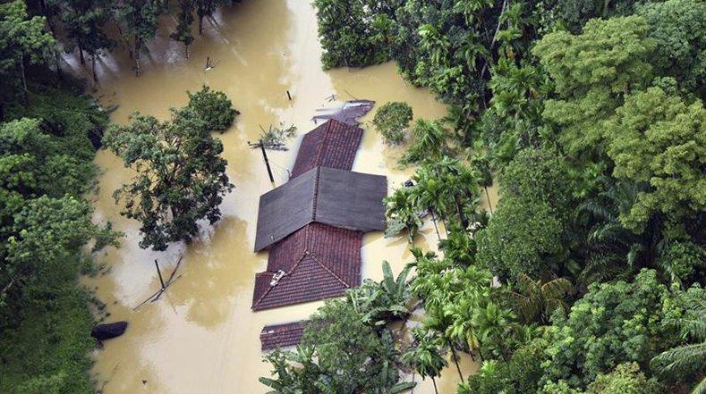 Sri Lanka devastato dalle piogge torrenziali: morti e dispersi