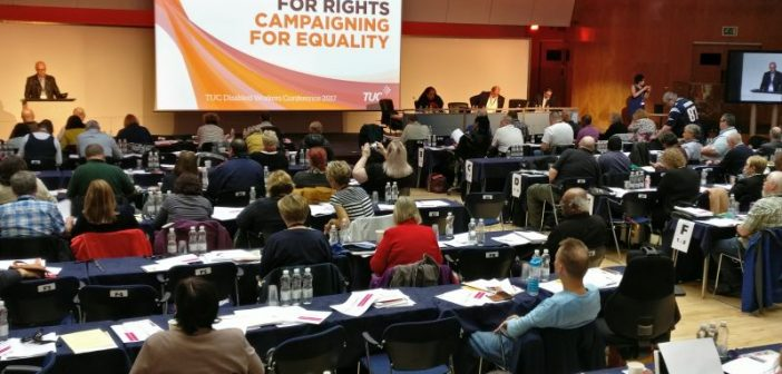 Article #Disability News re #Disabilitytuc motion on Disabled performers &amp; workers in Art &amp; Culture sector  http://www. disabilitynewsservice.com/tuc-disabled-w orkers-conference-arts-and-cultural-organisations-failing-on-jobs/ &nbsp; … <br>http://pic.twitter.com/56DBWaCh7W