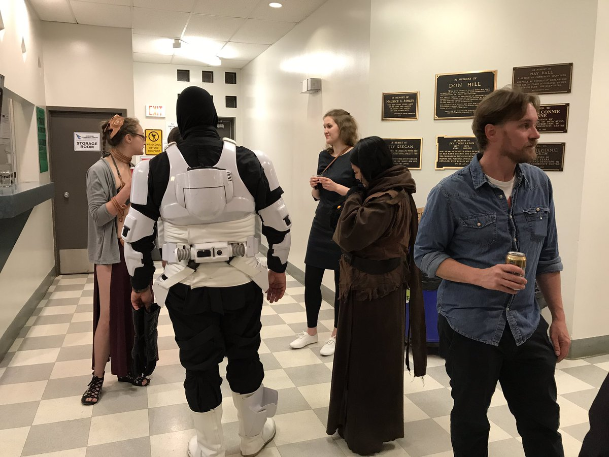 test Twitter Media - Going to @FanQuestCon today with all the Leias, Troopers, and Jawas. @ErikFjeldsted https://t.co/bQJip7rvTk