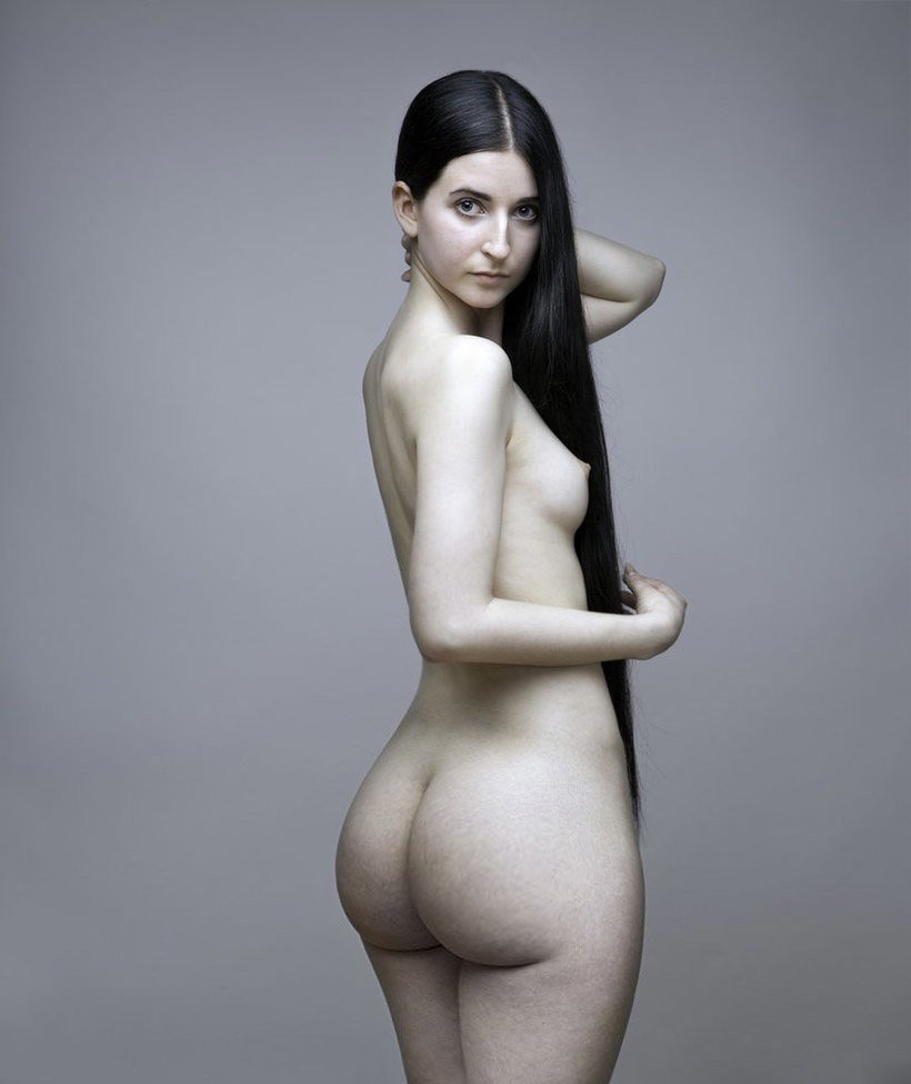 Beautiful Black Haired Webcam Girl