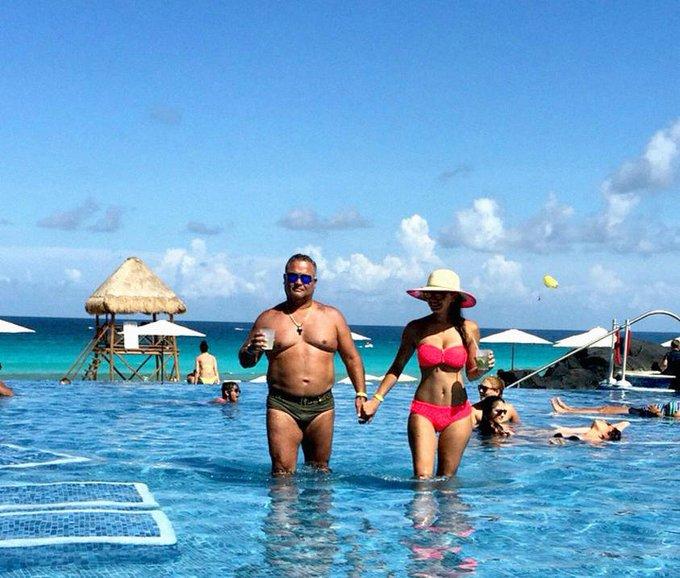 Director tributario de gobierno de Chávez que multó a medios vive con lujos en Miami, por @TamoaC y @GerardoReyesC https://t.co/0oIzfW4lSC