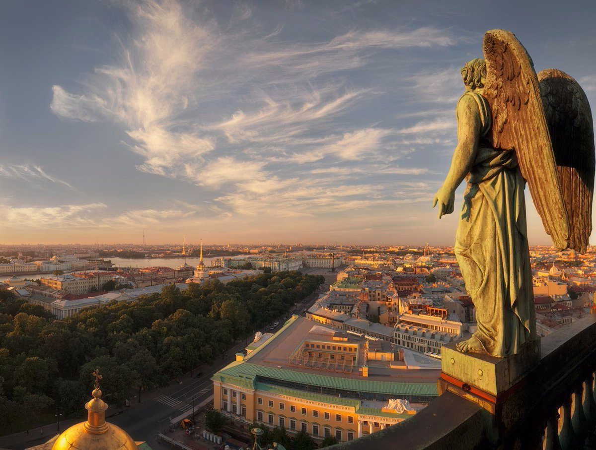 Since it&#39;s #SaintPetersburg&#39;s birthday today let us introduce the features of the #city to you:  http:// russiaforme.com/most-popular/s aint-petersburg/ &nbsp; … <br>http://pic.twitter.com/mG05eKERRk