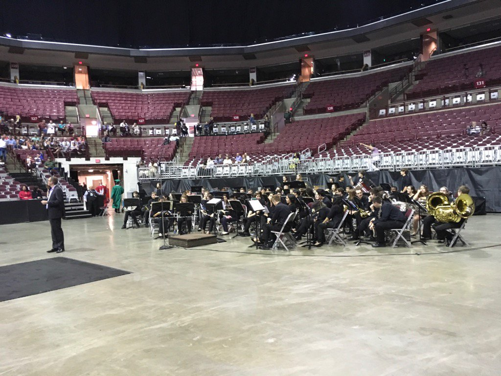 .@DublinCoffmanHS band ready for commencement. #DCSgrads17 https://t.co/iqKmSmLMKr