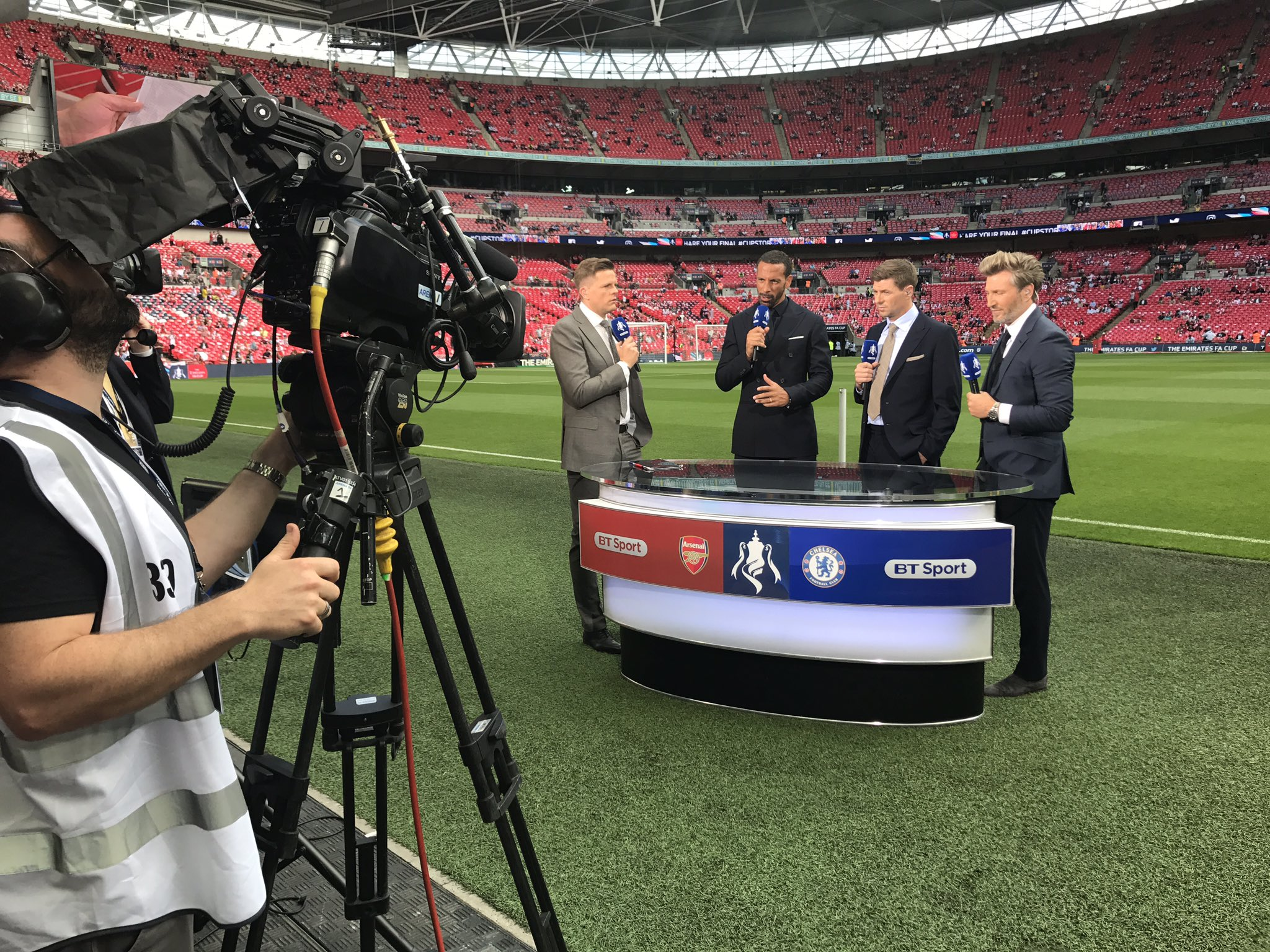 We are now LIVE on @btsportfootball #FACupFinal day.. Arsenal vs Chelsea! Score Predictions?! https://t.co/ejVy0iwHrm