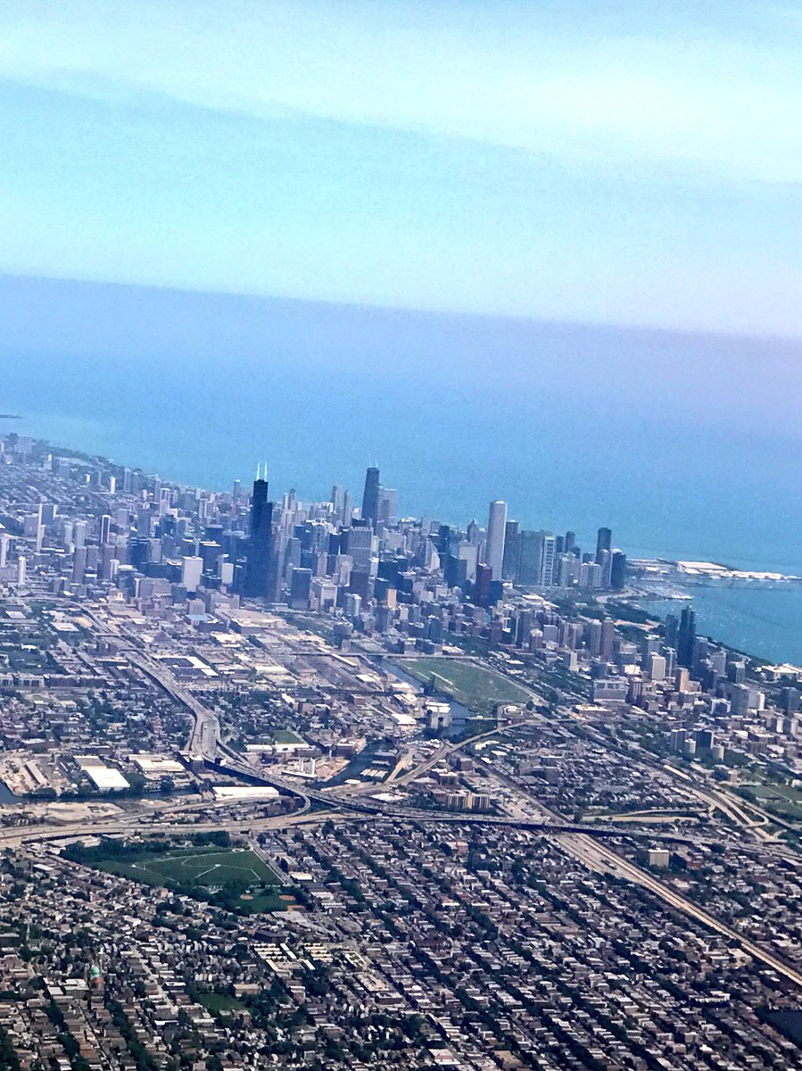 UpUpandAway , goodbye Chicago and so great to see all @TMobile heroes!!! Next stop.... you'll have to guess?  :) https://t.co/nIKrixBCET