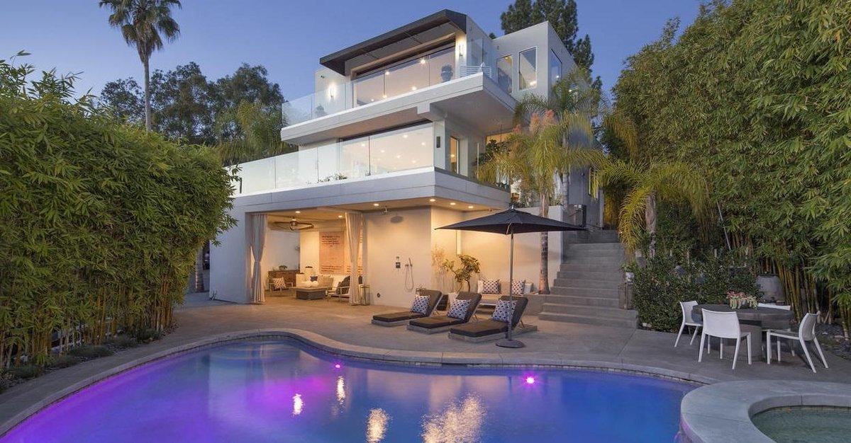 Harry Styles met en vente sa villa à Los Angeles pour 7,6 millions d'euros https://t.co/Z5HWchcZak