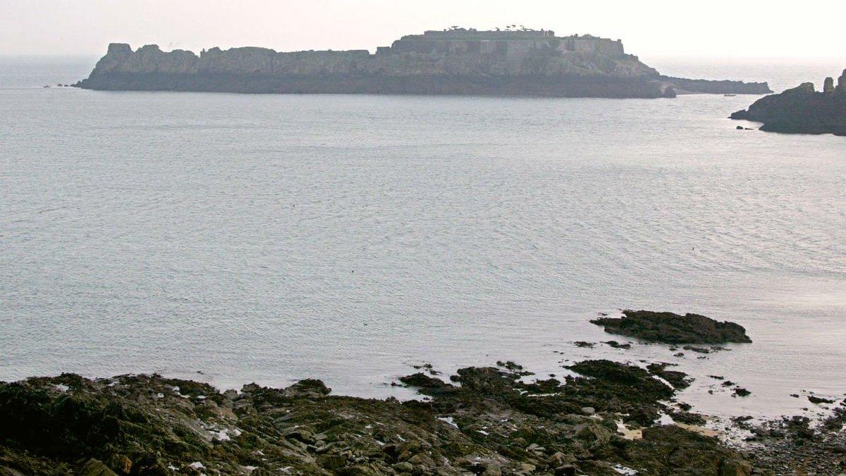 Un homme se noie sur une plage d'Ille-et-Vilaine https://t.co/I6N9entdTA