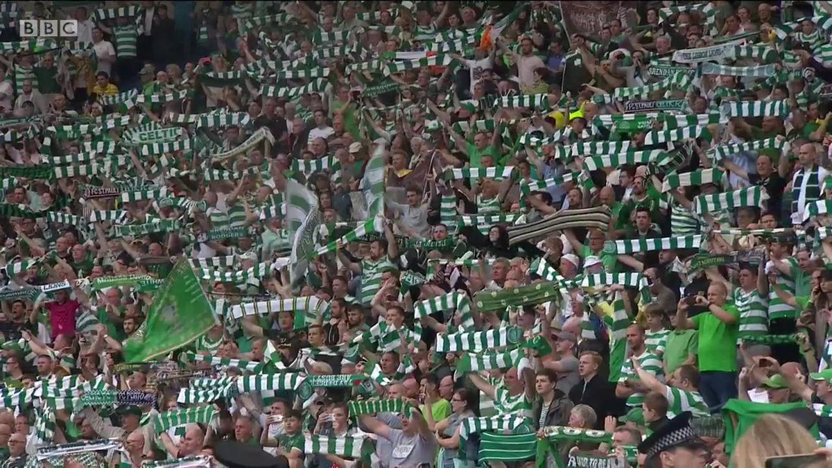 Celtic fans celebrate their team winning the treble with a rendition of You'll Never Walk Alone.  #bbcsportscot https://t.co/y64NJnFiUn