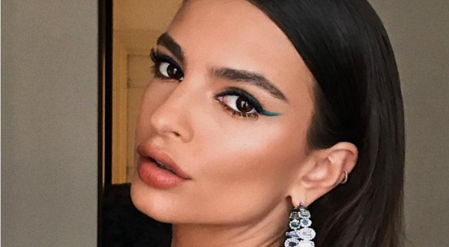 ICYMI @emrata wore three different types of eyeliner to the Met Gala https://t.co/XLlmj7iZ5z https://t.co/CEaqAFeWsr