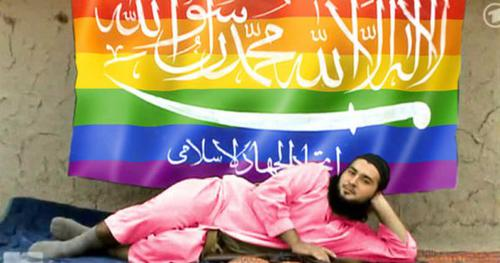 Un hacker pirate des comptes de l'EI: il y diffuse du porno gay https://t.co/zaaB6NLDns @pierreyvesrevaz