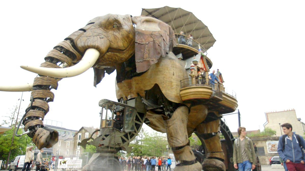 I just had to put this on! The Grand Elephant.   #nantes #lesgaleriedesmachines #france #grandelephant #genius   http:// buff.ly/2qpEnvf  &nbsp;  <br>http://pic.twitter.com/8rDJ0desMg