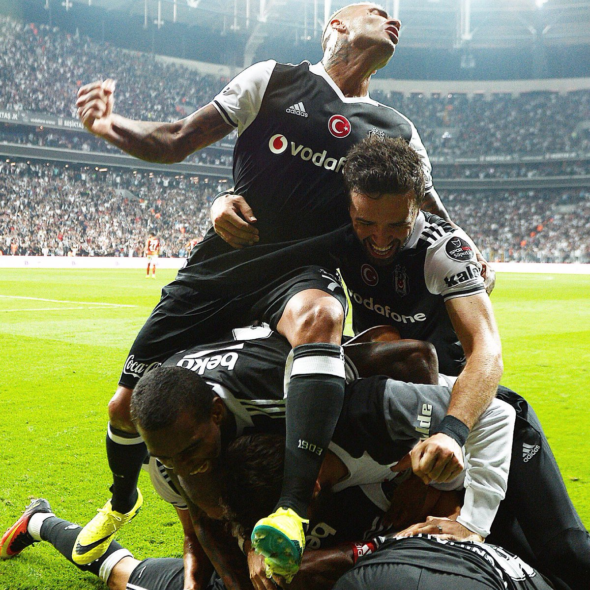 Tomorrow is going to be a big and exciting day for #Beşiktaş! <br>http://pic.twitter.com/CKXFUDYKsK