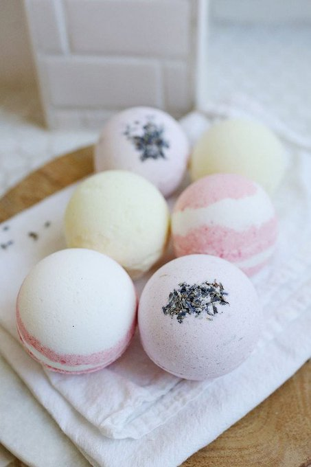 7 Surprisingly Easy DIY Bath Bomb Recipes
