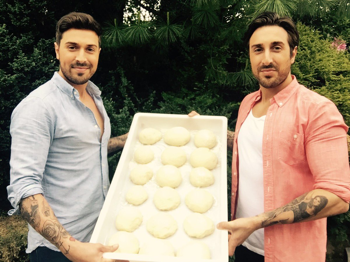 Pizza dough balls ready Lets get cooking @Tony_Alberti #pizza #pizzaparty #ItaliansDoItBetter #ItalianStyle<br>http://pic.twitter.com/aClFp4dNUX