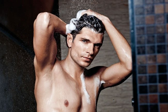 6 of the Best Male Shampoos https://t.co/SI9Nx0NY75 #Hair https://t.co/bHxKvG9Y7I