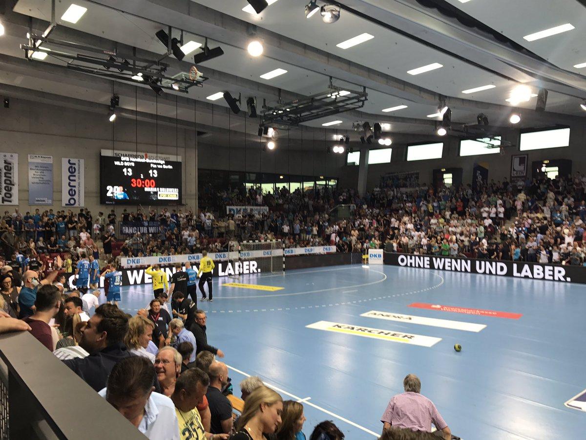 Halbzeit auswärts gegen den TVB 1898 Stuttgart! Stand: 13:13! #unserRevier #Handball https://t.co/nVr6ZBAyTv